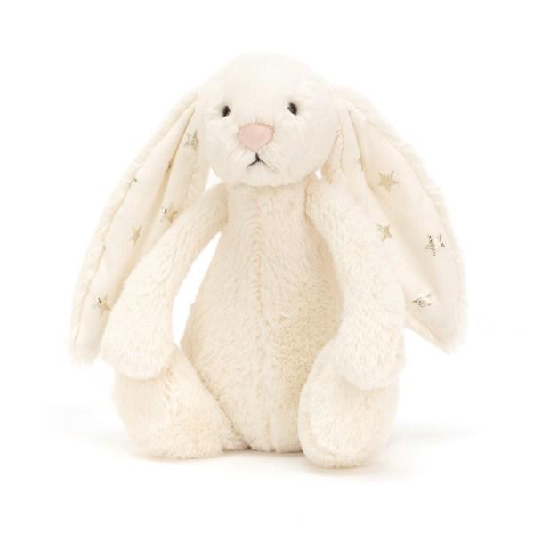 Très (très très) doux (même encore plus que ce que vous imaginez), le lapin Bashful réconfortera les enfants et partagera leurs joies. Ses grandes oreilles sont très appréciées des petites mains qui adorent manipuler tout ce qui passe !