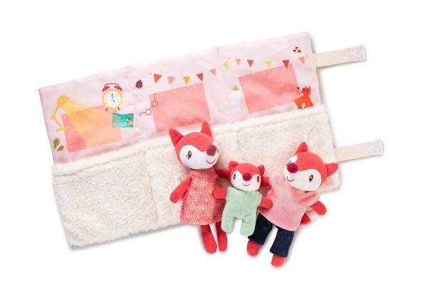 Trois mini peluches d'activités de la Famille Alice-la Renarde et leur sac transportable