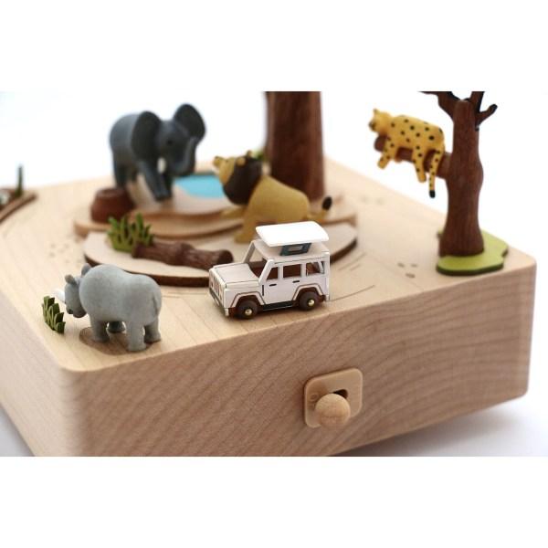 détails sur la voiture de la Boîte à musique Safari