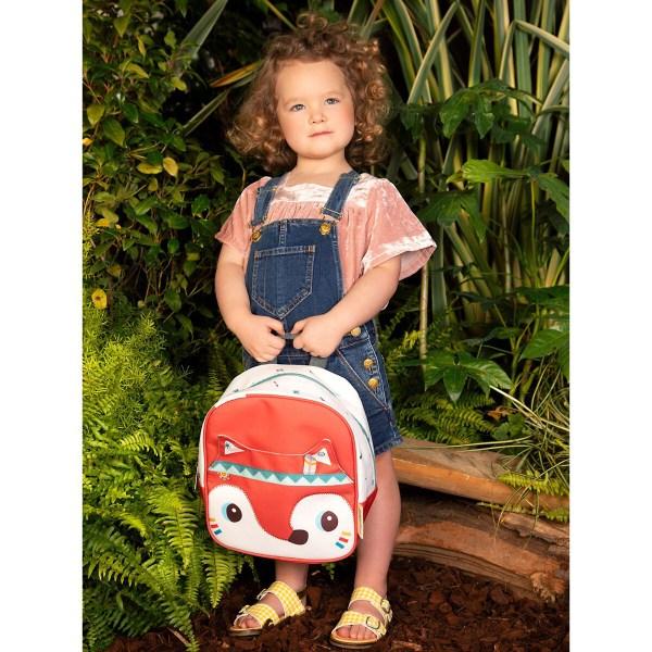 Impossible de perdre son sac à dos Alice car une étiquette est prévue pour y inscrire son nom et même l'email et le numéro de portable de papa ou de maman !