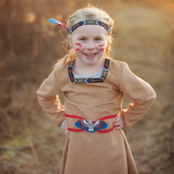 Costume d'indienne porté par une petite fille