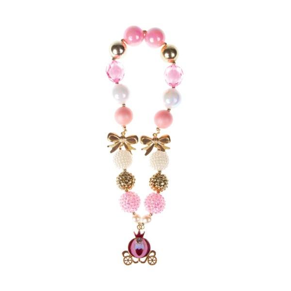 Collier conte de fée avec de grosses perles roses blanches dorées et texturées, des noeuds dorés et un carrosse en guise de pendentif