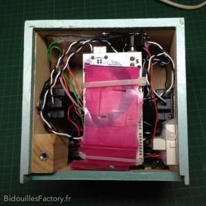 L'Arduino Mega replié avant fermeture du boîtier