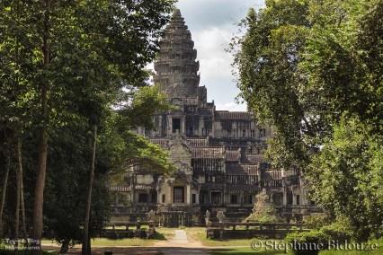 Angkor wat north door