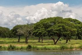 Le paysage sur les berges de la rivière Kwai