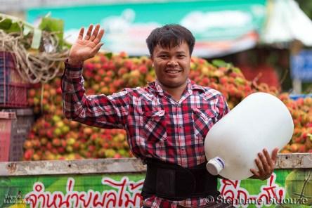 Le village de Thong Pha Phum et les sources d'eau chaude de Hindad