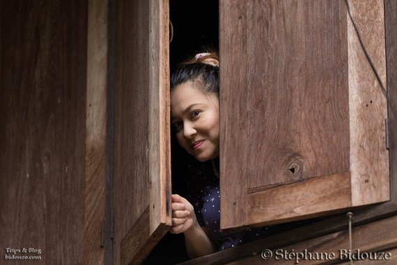 thai-woman-window