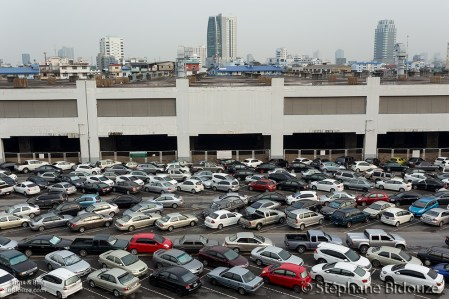 cars-parked-bangkok