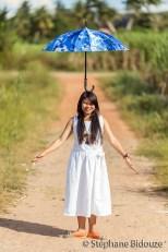 thai-woman-umbrella-head