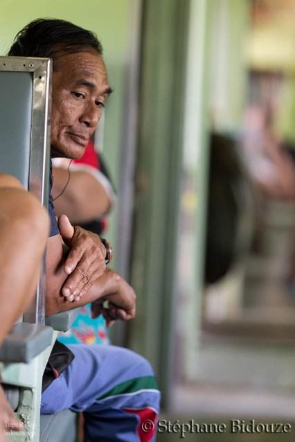worreid-man-thailand-train