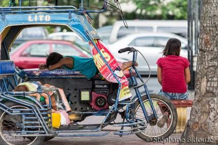 manille-tricycle-enfant-dromant