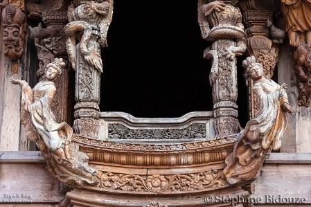 fenetre-pattaya-bois-temple