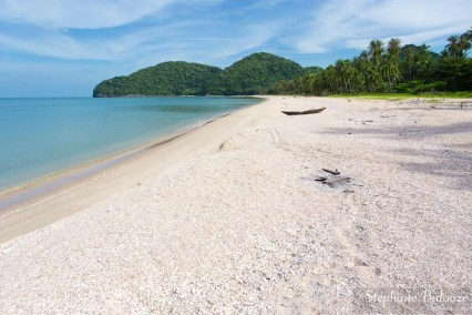 khanom-plage-deserte-tranquille-thailande