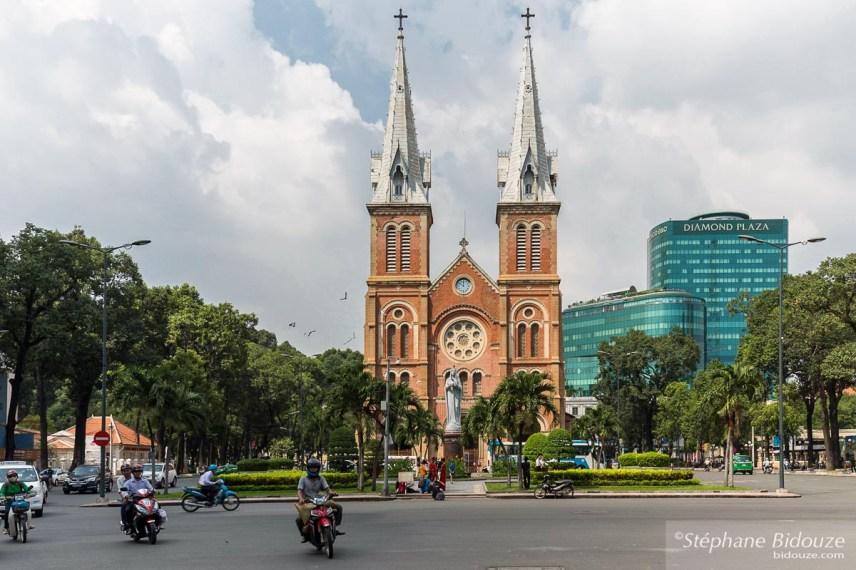 cathedrale-notre-dame-saigon-vietnam