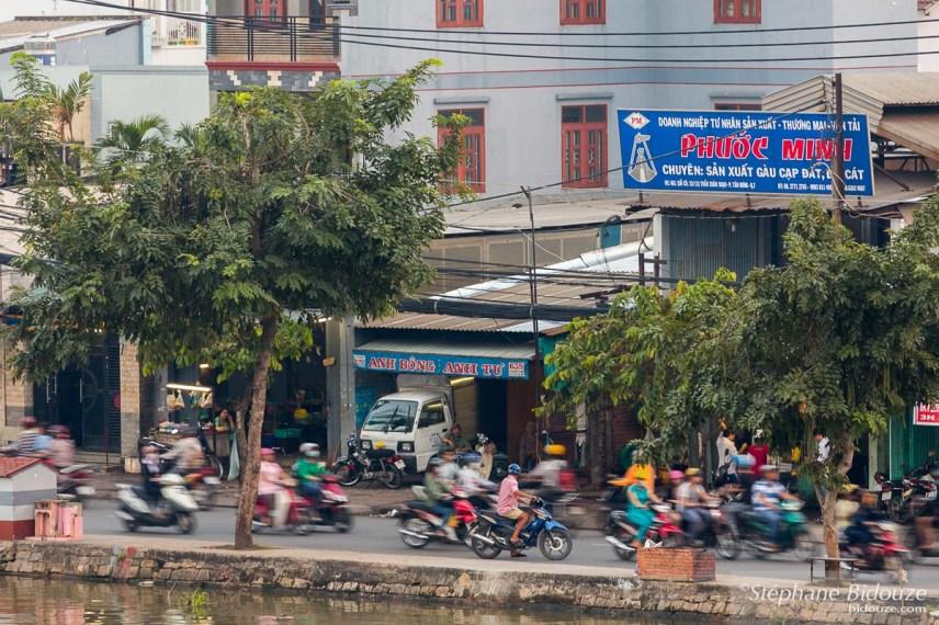 pont-vue-heure-pointe-mobylettes-vietnam