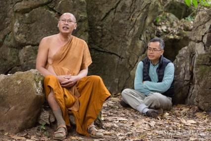 maitre-bouddhiste-enseignement-moine