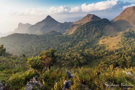 chiang-dao-montagnes-coucher-soleil