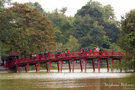 hanoi-Huc-pont-rouge-Hoan-Kiem-lac-hanoi