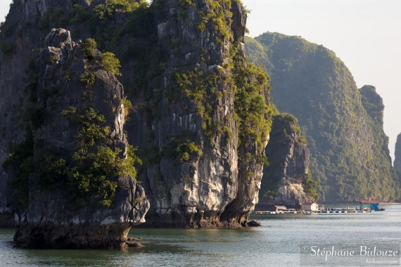 along-halong-baie-vientam-han-la