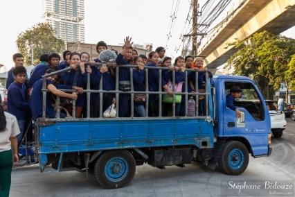 bangkok-travailleurs-camion