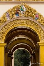 Mahamuni-porte-sculpture-decoration-pagode-mandalay