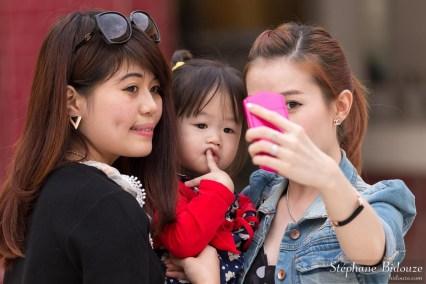 coréenne-touriste-seflfie-myanmar-mandalay
