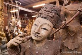 statue-bois-grande-mandalay-artisan