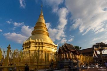chedi-Wat-Phra-That-Renchainai