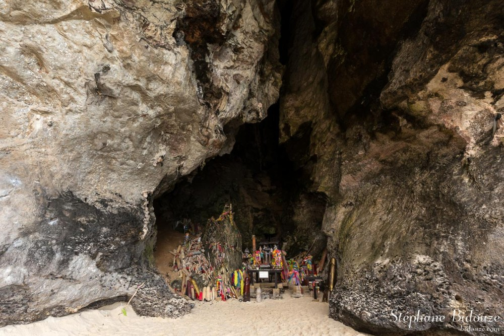Phallus cave at Phra Nang beach