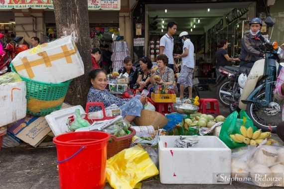 chinatown-saigon-vendeuse-trottoir
