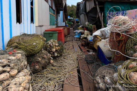 filet-peche-thailande-village-allée