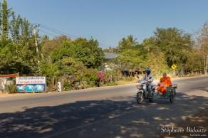 thailande-moine-moto-sidecar