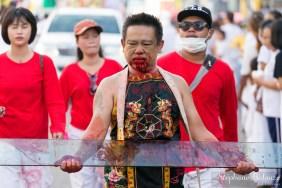 sang-phuket-mutilation-festival-taoiste