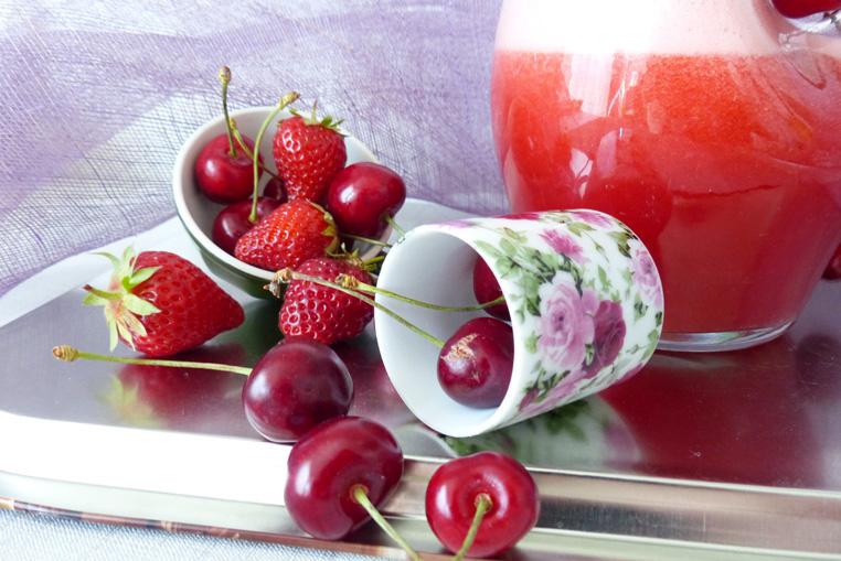 Recette-de-Limonde-FRAISESCERISES-Bidule-et-Cocotte-photo-fraises-et-cerises