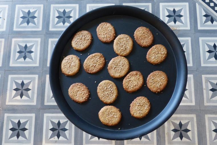 Palets-aux-sesames-recette-au-sucre-de-coco-et-vegan-1