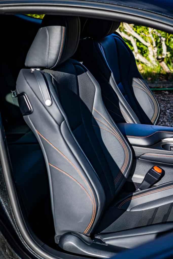 Lexus RC siège