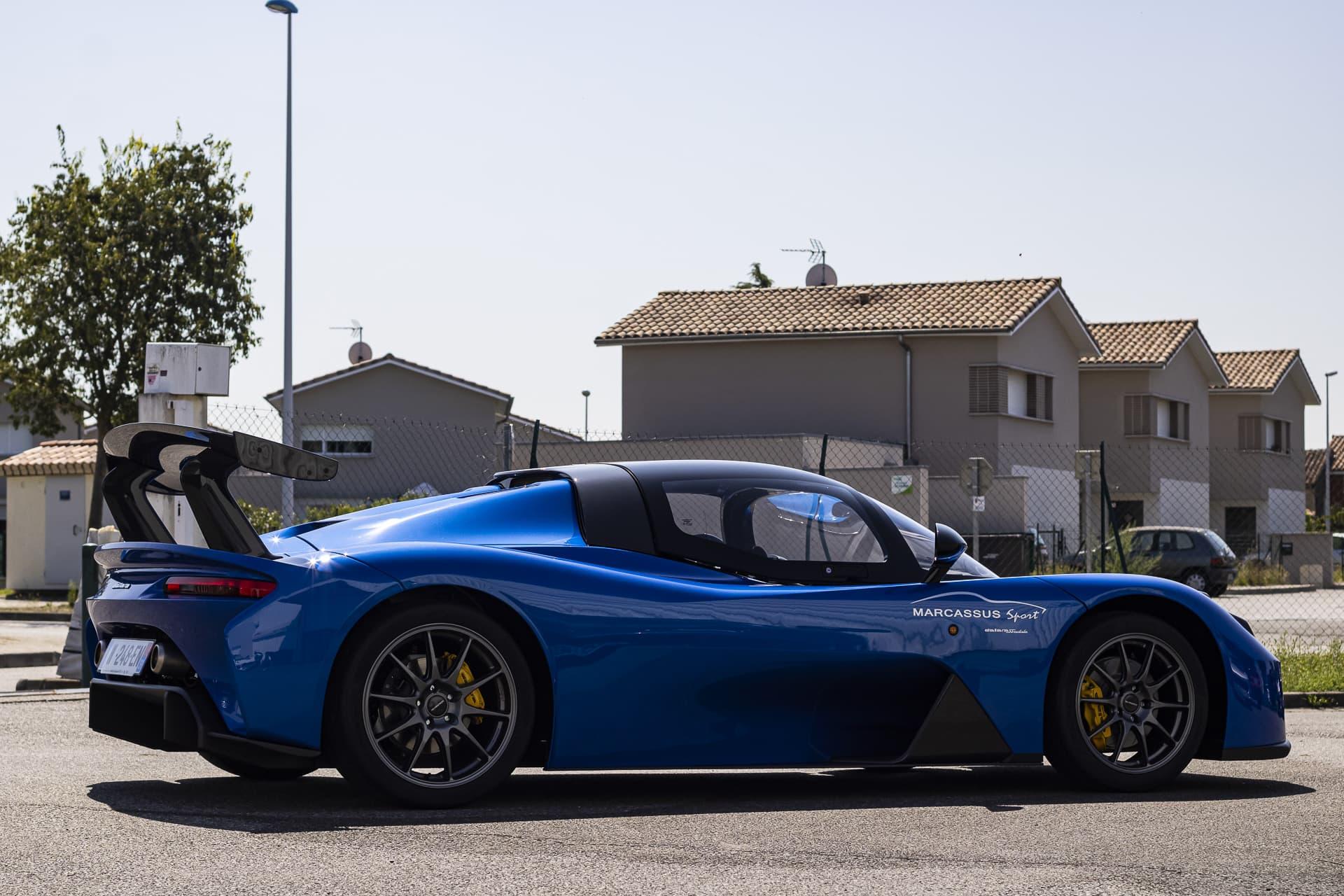 Dallara Stradale bleue