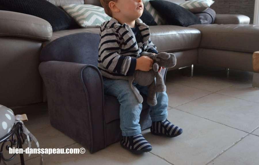poutch-bebe-entre-12-et-16-mois-fauteuil