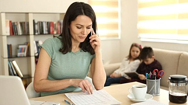 travailler de chez soi avec des enfants