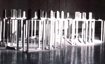 Graça Costa Cabral 1999 ESCALA, PROPORÇÃO E MEDIDA Escultura Mármore e Ardósia 160 x 400 x 500 cm