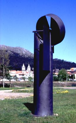 Carlos Barreira 1999 ENERGIA REPARTIDA Aço Corten, Aço Inox, Articulações e Rolamentos 450 cm altura
