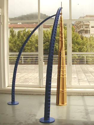 Isabel e Rodrigo Cabral 1998 TORRE DOURADA Madeira e Resinas 170 x 170 x 300 cm