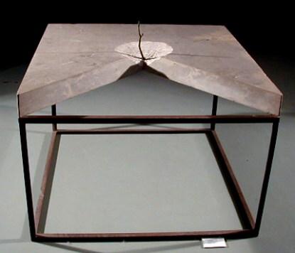 José Rodrigues 1980 ESCULTURA II Mármore e metal 100 x 100 x 15 cm