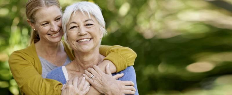 Dosificar el tiempo que pasas con tus padres puede oxigenar mucho la relación.