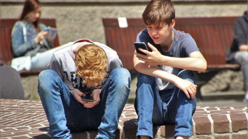 Los móviles.
