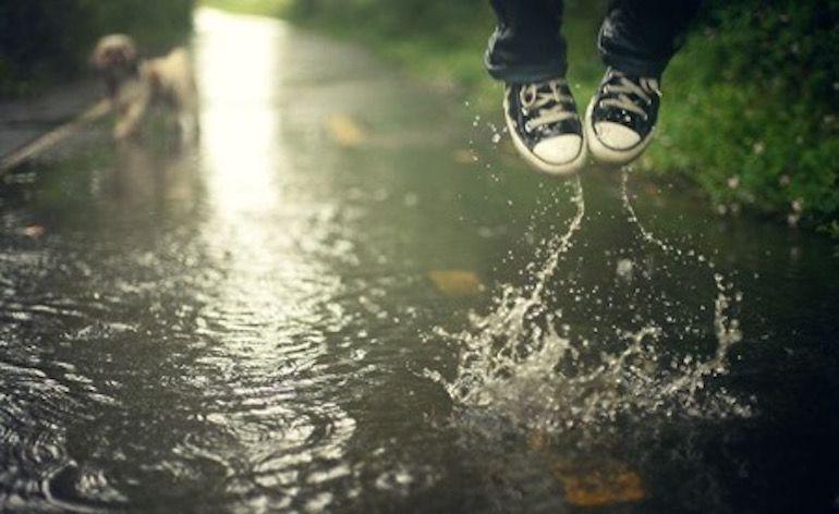 Irá con los pies mojados.