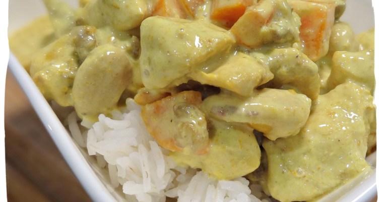 Poulet au curry, aux légumes et noix de cajou