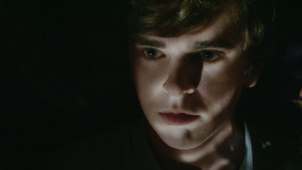 Bates-Motel-Season-2-Episode-6-Video-Preview-Plunge