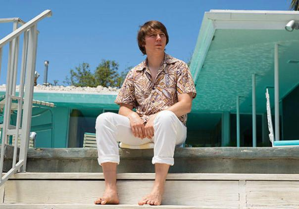 Paul Dano as a young Brian Wilson