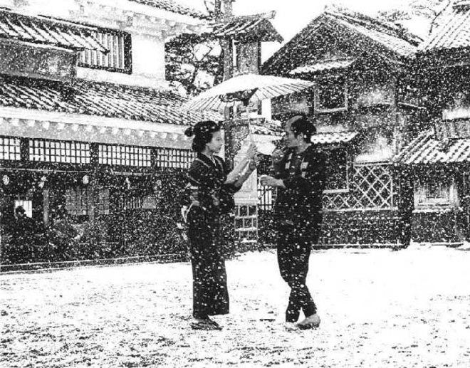 One of the stories within the story: Otoyo (Niki Terumi) and Sahachi (Yamazaki Tsutomo) meet for the first time.